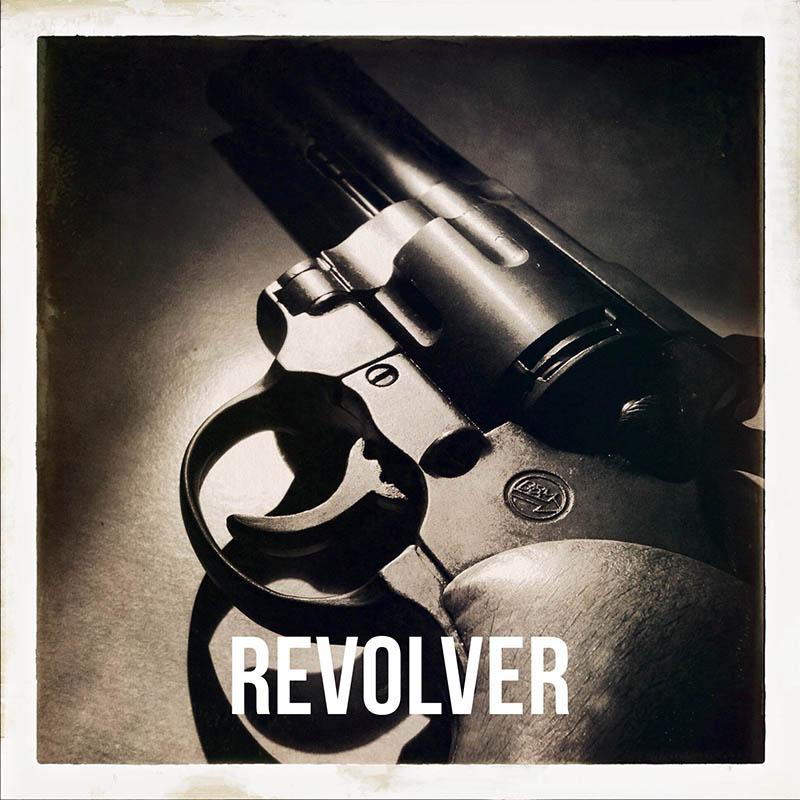 Revolver-alex-dante-0